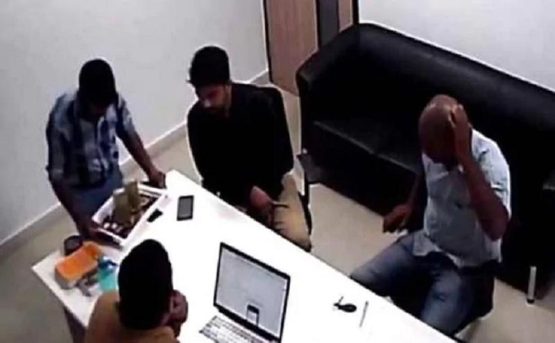 कॉल सेंटर में हो रहा था फर्जीवाड़ा, शिकायत करने पर इंजीनियर की पिटाई