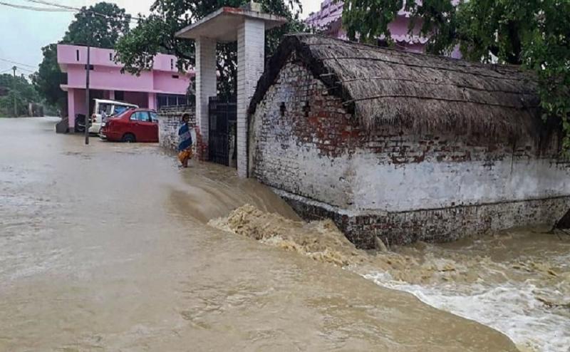 बिहार: पिछले चार दिनों की बारिश ने तोड़ा 1987 का रिकॉर्ड, कई नदियों का जलस्तर खतरे के निशान के पार