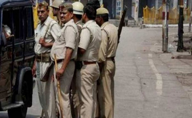 संभल पुलिस हत्याकांड : CCTV कैमरे थे खराब, 5 में से 3 पुलिसकर्मी थे निहत्थे