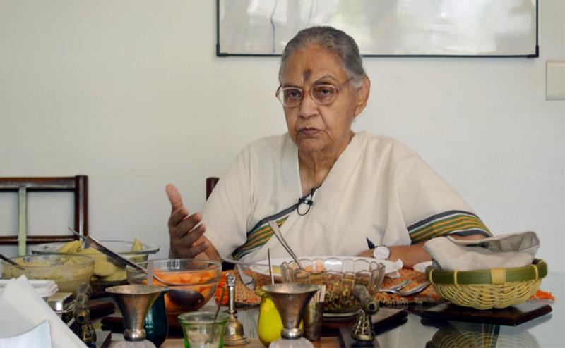 इंदिरा गांधी को इंप्रेस करने के लिए शीला दीक्षित ने गरमा-गरम जलेबी में मिलाई थी आइस्क्रीम, पढ़ें अनसुनी बातें
