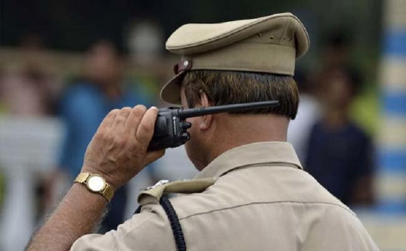 यूपी: नोएडा और ग्रेटर नोएडा में खुले में शराब पी रहे 260 लोगों को पुलिस ने पकड़ा
