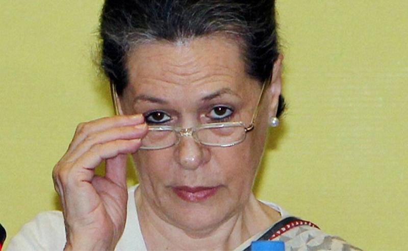 सोनिया गांधी ने केंद्र सरकार पर लगाया आरोप, खत्म करना चाहती है आरटीआई कानून