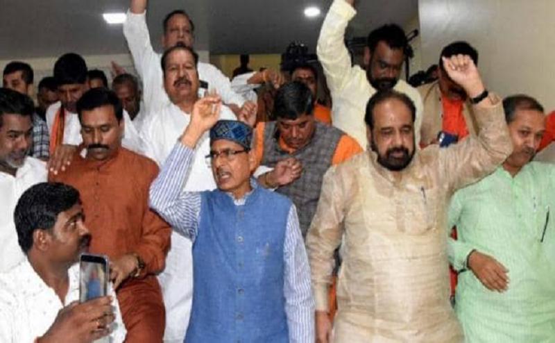 अब MP पर BJP की नजर, गोपाल भार्गव बोले- अपना पिंडदान करवाएगी कमलनाथ सरकार
