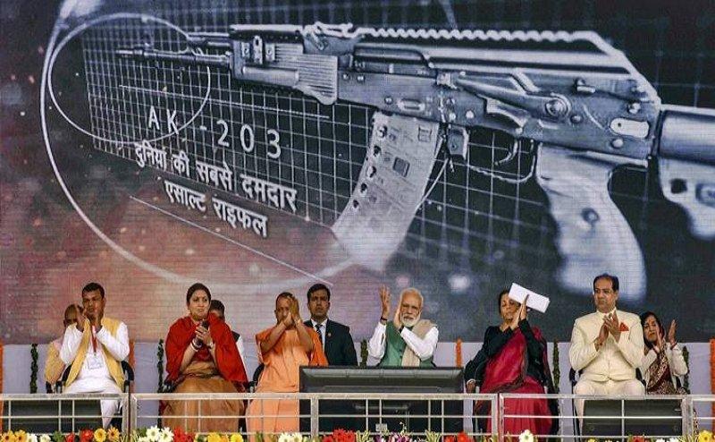 Insas और AK-47 से कई गुणा ताकतवर है अमेठी में बनने वाली AK-203 राइफल
