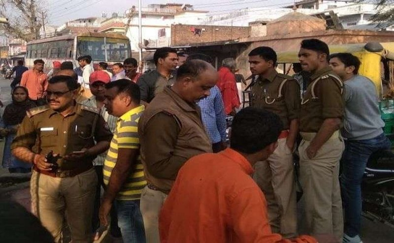 गोरखपुर में सांप्रदायिक सद्भाव बिगाड़ने की साजिश, लोगों की सूझबूझ से नियंत्रित हुई स्थिति