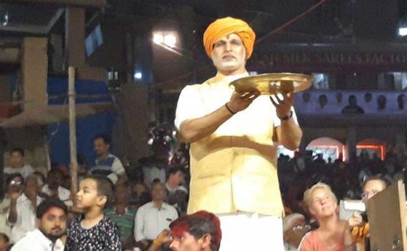 PM Modi Biopic: पीएम नरेंद्र मोदी की लुक में वाराणसी में गंगा आरती करते नजर आए  विवेक ओबेरॉय, जानिए क्या है वजह