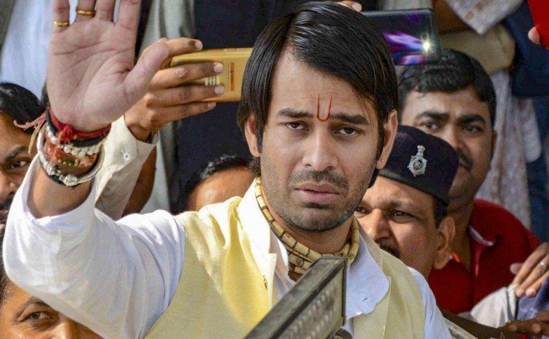 Lok Sabha Election 2019: लालू परिवार में बगावत, ससुर के खिलाफ सारण से निर्दलीय लड़ सकते हैं तेजप्रताप