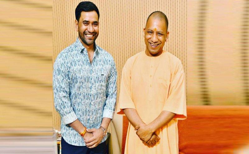 Lok Sabha Election 2019: BJP ने निरहुआ को दिया टिकट,आजमगढ़ में अखिलेश को देंगे चुनौती