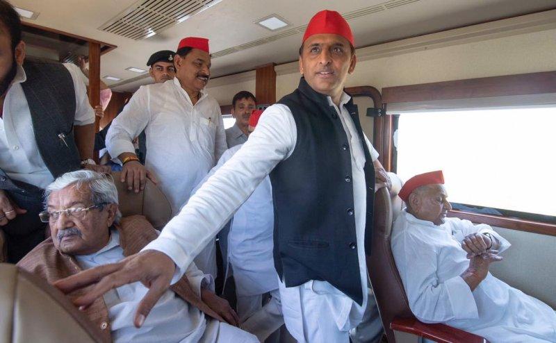 सपा का मैनीफेस्टो जारी, अखिलेश ने कहा- BJP के पास बताने के लिए कोई काम नहीं