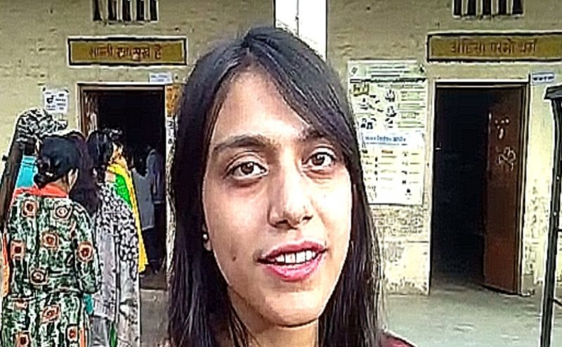 Lok Sabha Election 2019: आगरा की दीपिका ने पहली बार किया मतदान, बोलीं- लोकतंत्र की रक्षा करना हमारा दायित्व