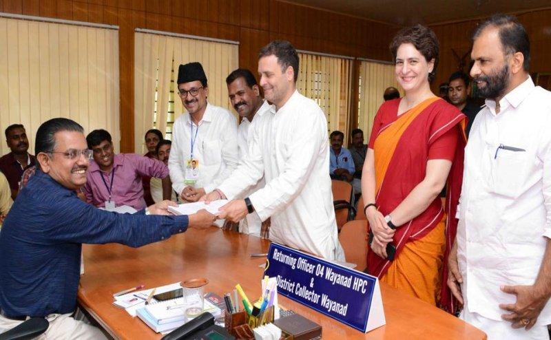 बच गए राहुल गांधी: नहीं रद्द होगी अमेठी से उम्मीदवारी, रिटर्निंग ऑफिसर ने नामांकन को ठहराया वैध