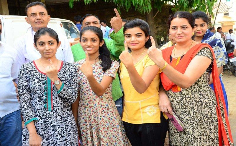 Lok Sabha Election 2019: तीसरे चरण में UP की 10 सीटों पर 120 उम्मीदवारों की किस्मत दांव पर