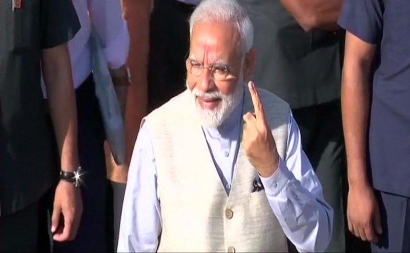 Lok Sabha Election 2019: वोट डालने के बाद PM मोदी बोले- यह सदी फर्स्ट टाइम युवा वोटरों की है
