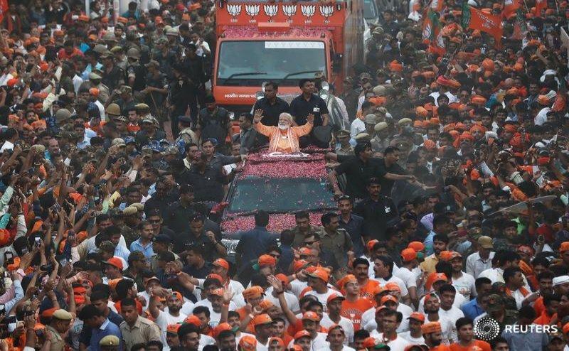 कांग्रेस का आरोप- 'फकीर' के रोड शो में भाड़े की भीड़ पर लुटाए गए 8 करोड़ रुपये