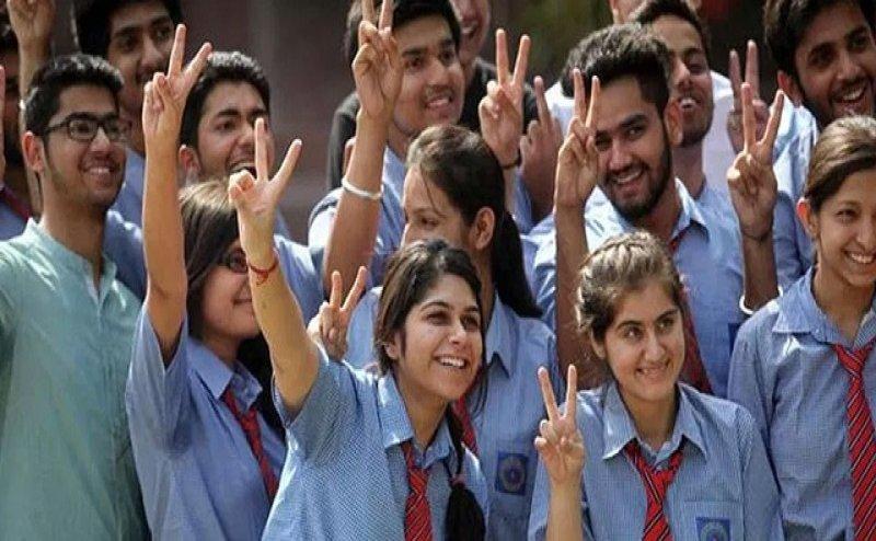 UP Board Result 2019: 70% छात्र-छात्रा पास, 10वीं में गौतम रघुवंशी और 12वीं में तुनज तोमर टॉप