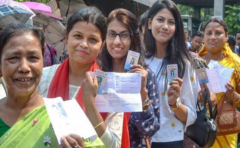 Lok Sabha Election 2019: यूपी की 13 सीटों पर मतदान शुरू, बूथों पर लगीं लंबी कतार