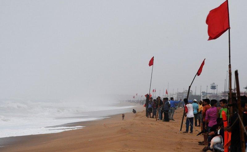 एक्सपर्ट हैरान! Cyclone Fani की टाइमिंग से भौंचक है मौसम वैज्ञानिक, पूर्वांचल में दिख रहा असर