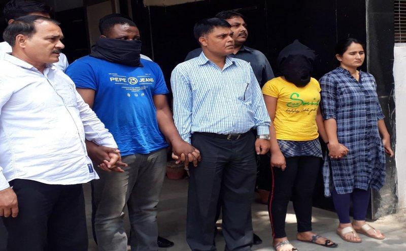 नोएडा में UP Police के एक SP के घर से चल रहा था ड्रग्स का कारोबार, पकड़ाया 1800 KG ड्रग्स का जखीरा