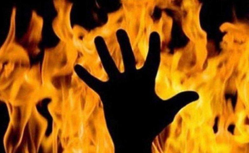 अलीगढ़ में महिला BDC को जिंदा जलाने की कोशिश, हमलावर फरार