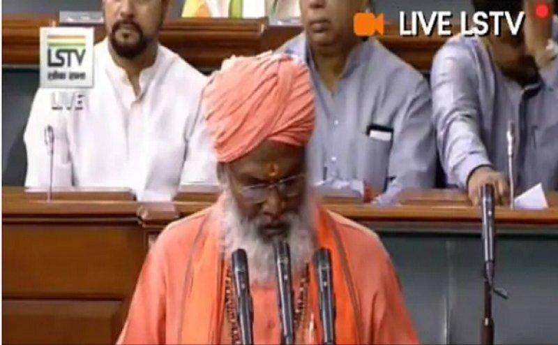 साक्षी महाराज के शपथ पर संसद में लगे 'मंदिर वहीं बनाएंगे' के नारे, शपथ में जुड़ा था 'जय श्री राम' शब्द