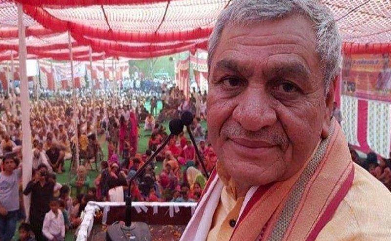 सीएम योगी के मंत्री ने भगवान राम से की अपनी तुलना, सरकारी कर्मचारी को कहा था जूता पहनाने के लिए