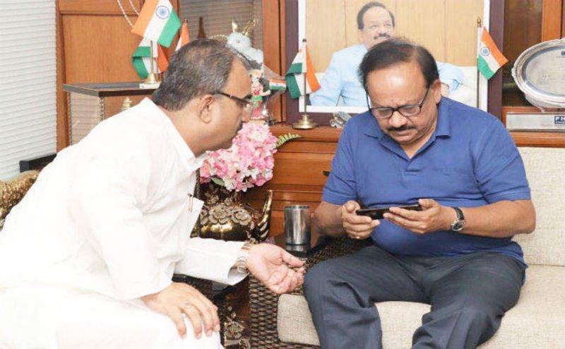 चमकी बुखार: स्वास्थ्य मंत्री हर्षवर्धन और मंगल पांडेय के खिलाफ CJM कोर्ट ने दिए जांच के आदेश