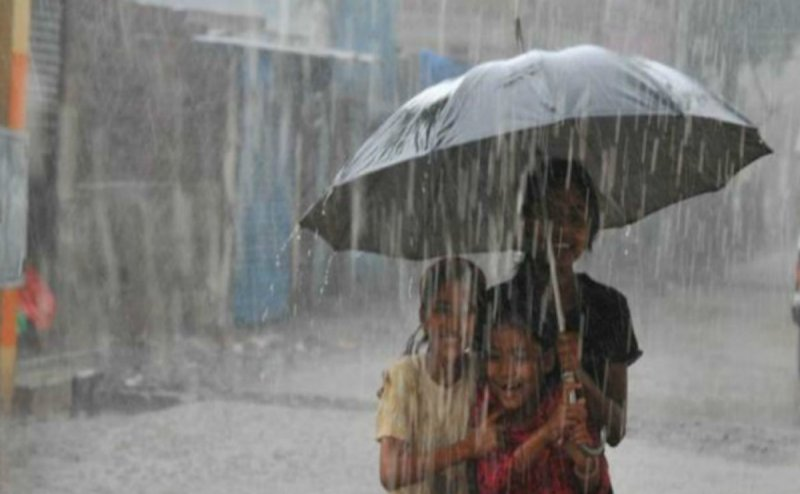 भोपाल समेत MP के कई शहरों में भारी बारिश की चेतावनी! दिल्ली-NCR वालों को अभी और सहनी होगी गर्मी और उमस