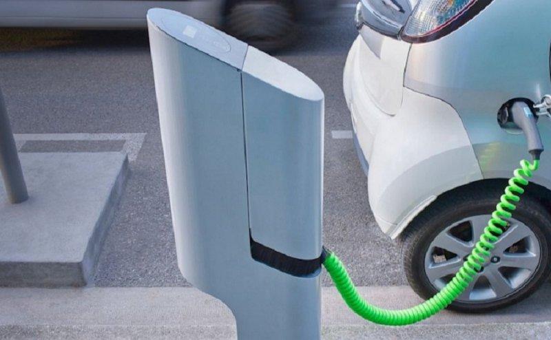 सरकार इलेक्ट्रिक वाहनों को दे रही बढ़ावा, इलाहाबाद शहर में लगेंगे 1000 चार्जिंग स्टेशन