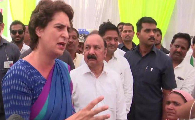 इलाहाबाद यूनिवर्सिटी स्टूडेंट यूनियन भंग होने पर प्रियंका गांधी का फूटा गुस्सा, बोलीं- छात्रों की आवाज से BJP इतना डरती क्यों है?