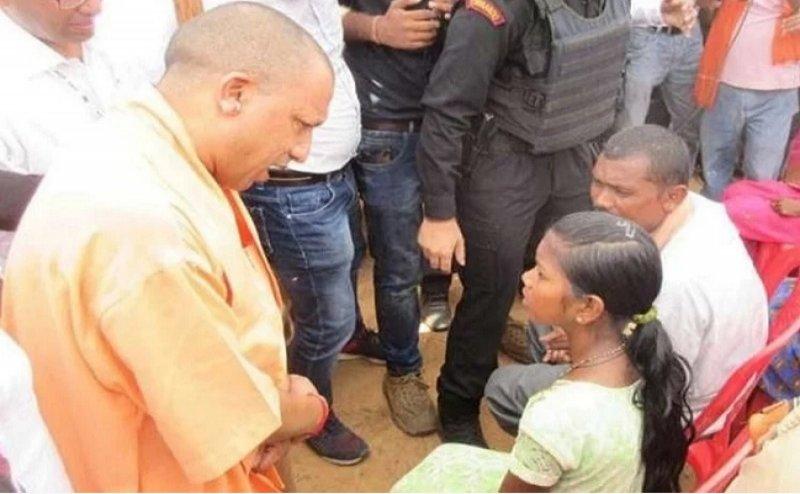 सोनभद्र नरसंहार: CM योगी से पीड़ित बोले- 'प्रधान पक्ष के लोग देते हैं तालाब में फेंकने की धमकी'