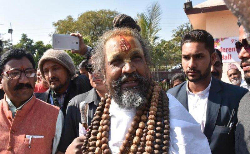 कंप्यूटर बाबा का दावा- '4 BJP विधायक मेरे संपर्क में, कमलनाथ जब कहेंगे पेश कर दूंगा'