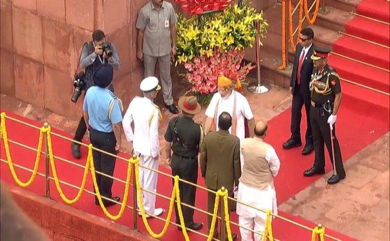 PM मोदी का बड़ा ऐलान- तीनों सेनाओं का सेनापति अब होगा `चीफ ऑफ डिफेंस स्टाफ`