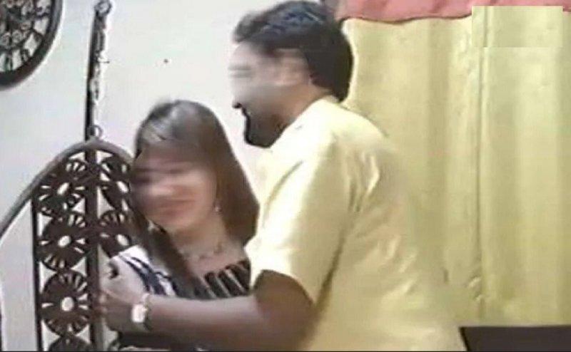 अब व्यापमं के आरोपी मंत्री हुए हनी ट्रैप के शिकार, सामने आया अश्लील वीडियो
