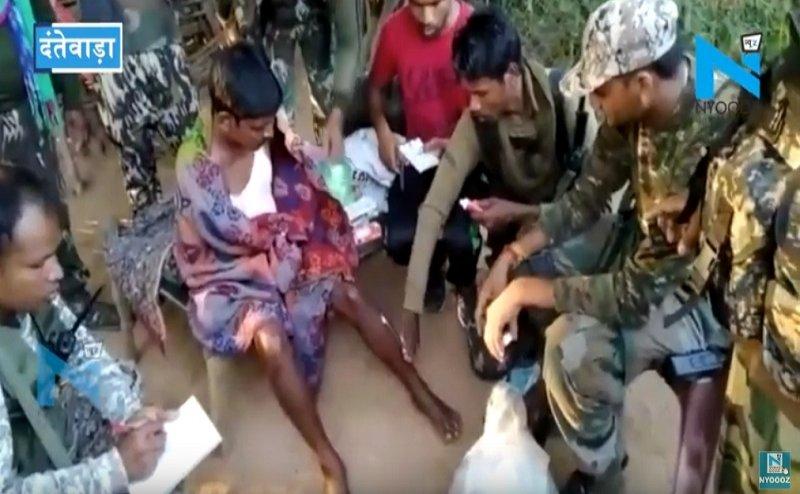 दंतेवाड़ा में नक्सलियों ने की ग्रामीणों की कथित पिटाई, पुलिस ने लगाया मरहम