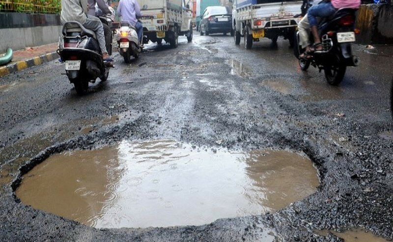 कोरबा की ऊबड़ खाबड़ सड़कों की मरम्मत के लिए ज़िला प्रशासन को मिलेंगे 54 करोड़ रुपये