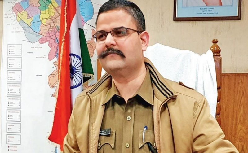 Noida SSP वैभव कृष्ण की रिपोर्ट में सनसनीखेज आरोप, बड़े-बड़े पुलिस अधिकारी पर गिर सकती है गाज!