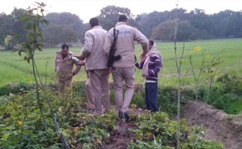 UP के बिजनौर में हैवानियत, हत्या कर खाट से बांध महिला का शव जलाया, पास से खाली कारतूस मिले