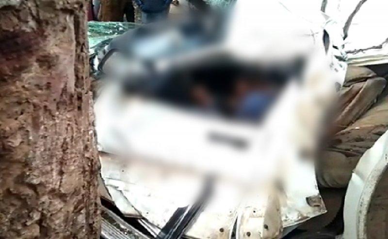 सड़क हादसे में 6 लोगों की मौत, पिकनिक मनाने निकले थे 13 दोस्त