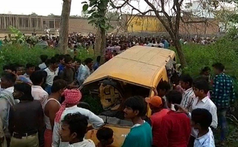कुशीनगर: ट्रेन की चपेट में आई स्कूल वैन, 13 बच्चों की मौत, सीएम योगी ने जताया दुख