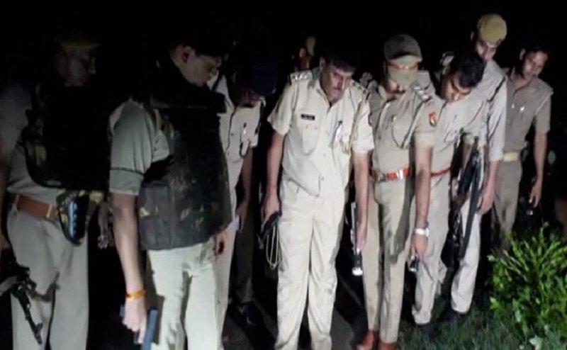 संभल मुठभेड़: 20 हजार का इनामी बदमाश गिरफ्तार, दरोगा और सिपाही घायल