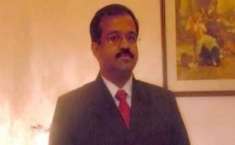 कानपुर के डॉ. शक्ति भार्गव ने BJP नेता जीवीएल नरसिम्हा राव पर फेंका जूता,जानिए वजह