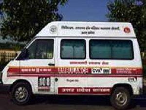 लखनऊः  EC  का निर्देश के बाद सरकारी एंबुलेंस वाहनों में `समाजवादी` शब्द ढका गया