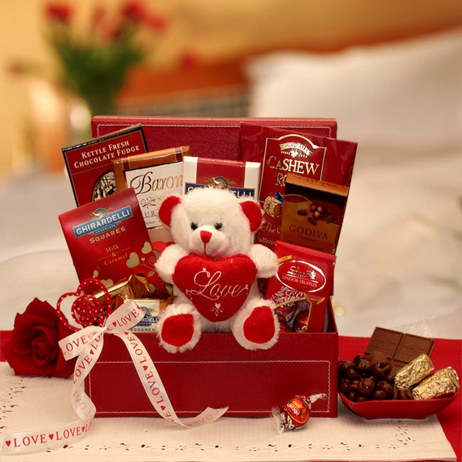 Romantic gift ideas that will make your girl feel special romantic gift ideas that will make your girl feel special lifestyle nyoooz negle Choice Image