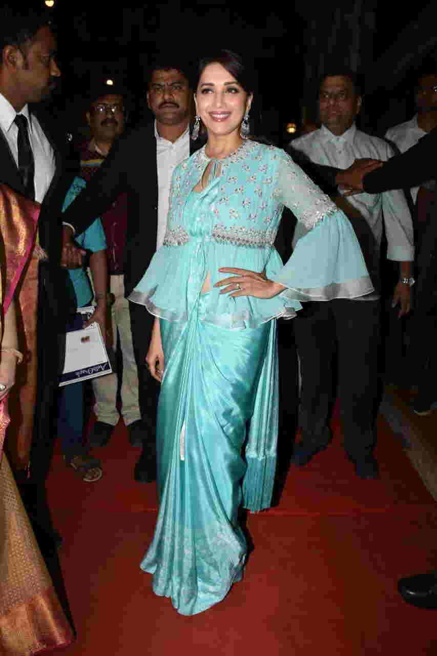 Madhuri Dixit\'s blue saree with koti is setting new fashion goals ...