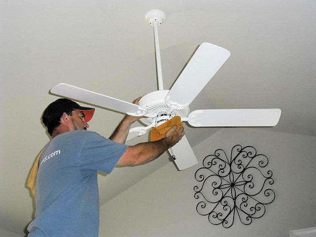 How to dust a ceiling fan ceiling fan ideas cleaning ceiling fans hbm blog aloadofball Choice Image