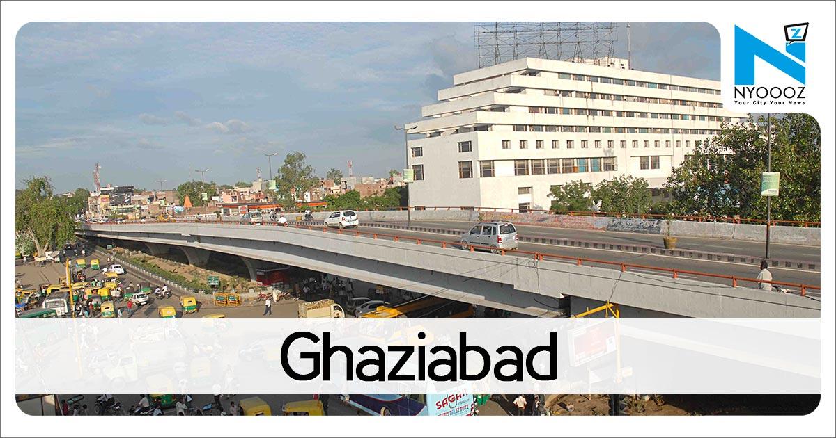 Case against Ghaziabad principal for 'manhandling' kid, mother