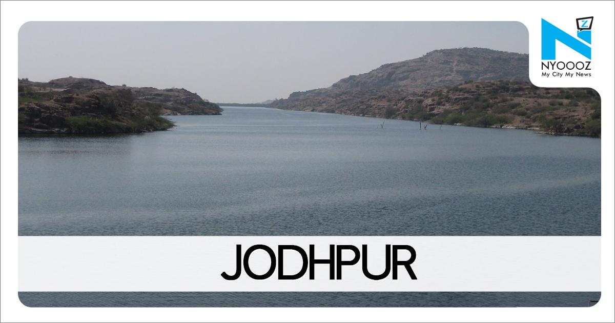 Rain, dust storm bring down temperature in Jaipur