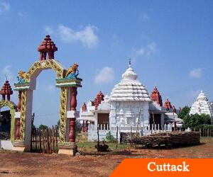 Rains affect puja preparations in Cuttack