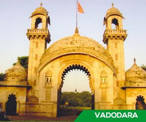 Vadodara turns to Navaratri for spreading poll awareness