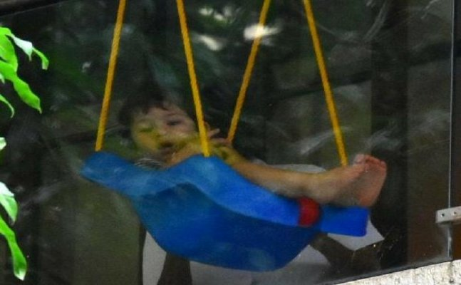 Taimur latest video on swing goes VIRAL
